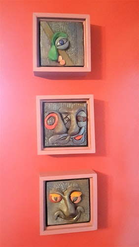 WALL SCULPTURE - TRIO OF GUYS