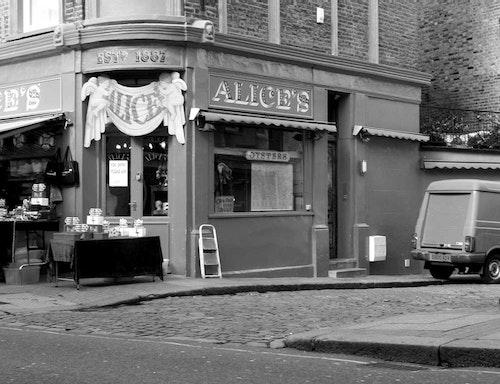 London Alice's Antiques