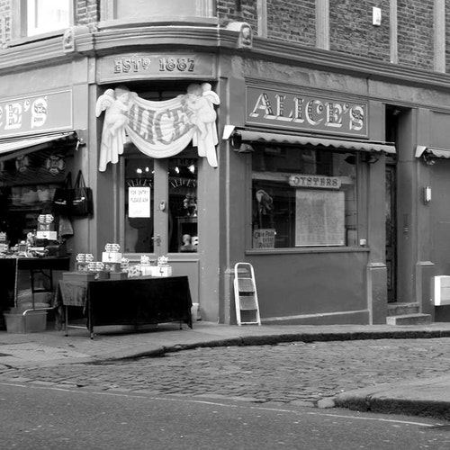 London Alice's Antiques